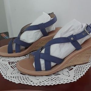 UGG Criss Cross Wedge Sandal